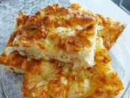 Рецепта Пухкава баница от готови кори с грис, кисело мляко, заквасена сметана, лимонада (безалкохолно) и бакпулвер